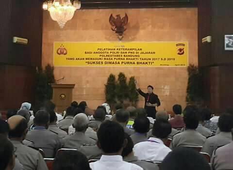 seminar-kapolda