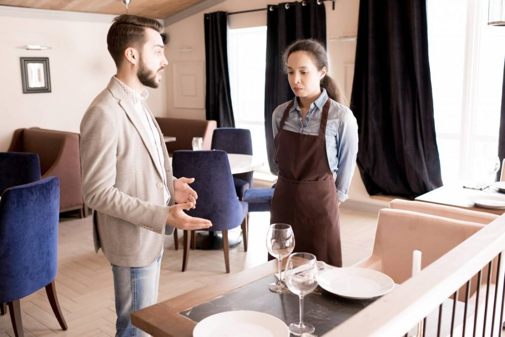 Training Pelayanan Restoran